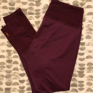 Lucy maroon leggings with accent details